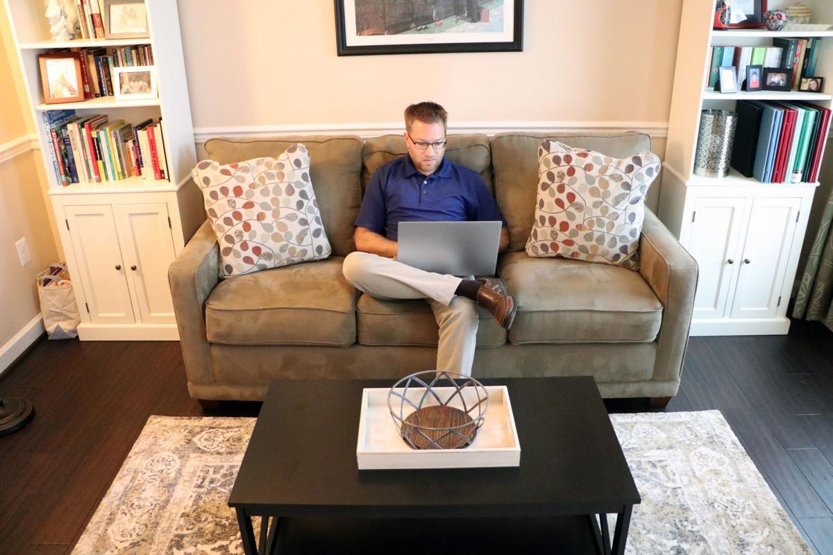 Eusebio Cantone in Living Room | Internet