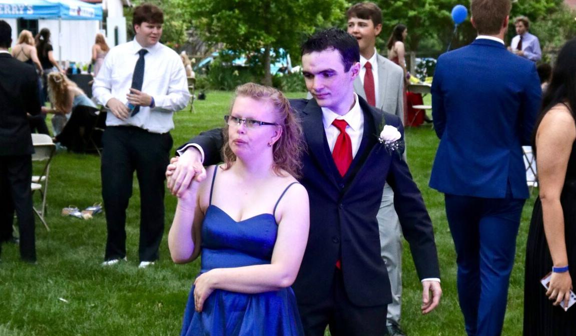 LCHS prom 3