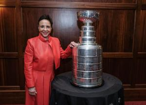 UPDATE: Caps fans can get their picture taken with the Stanley Cup in Middleburg next week