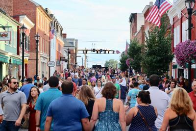Stroll the Streets will be back fro Leesburg First Friday