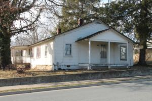 Purcellville receives three bids for Pullen House sale
