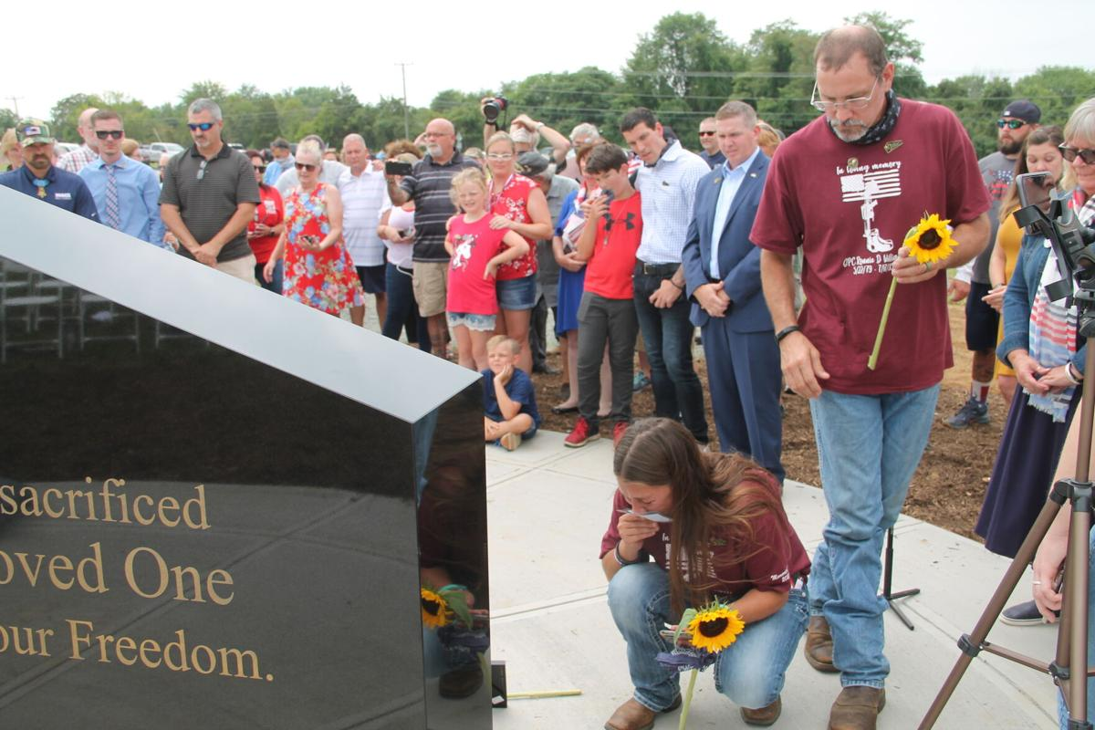 Memorial for Gold Star families unveiled in Lovettsville