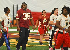 44b7827c5 Redskins host youth flag football clinic