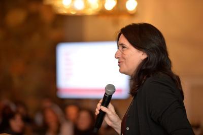 Karen Schaufeld 100WomenStrong