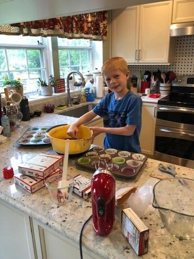 Collin Everhart baking