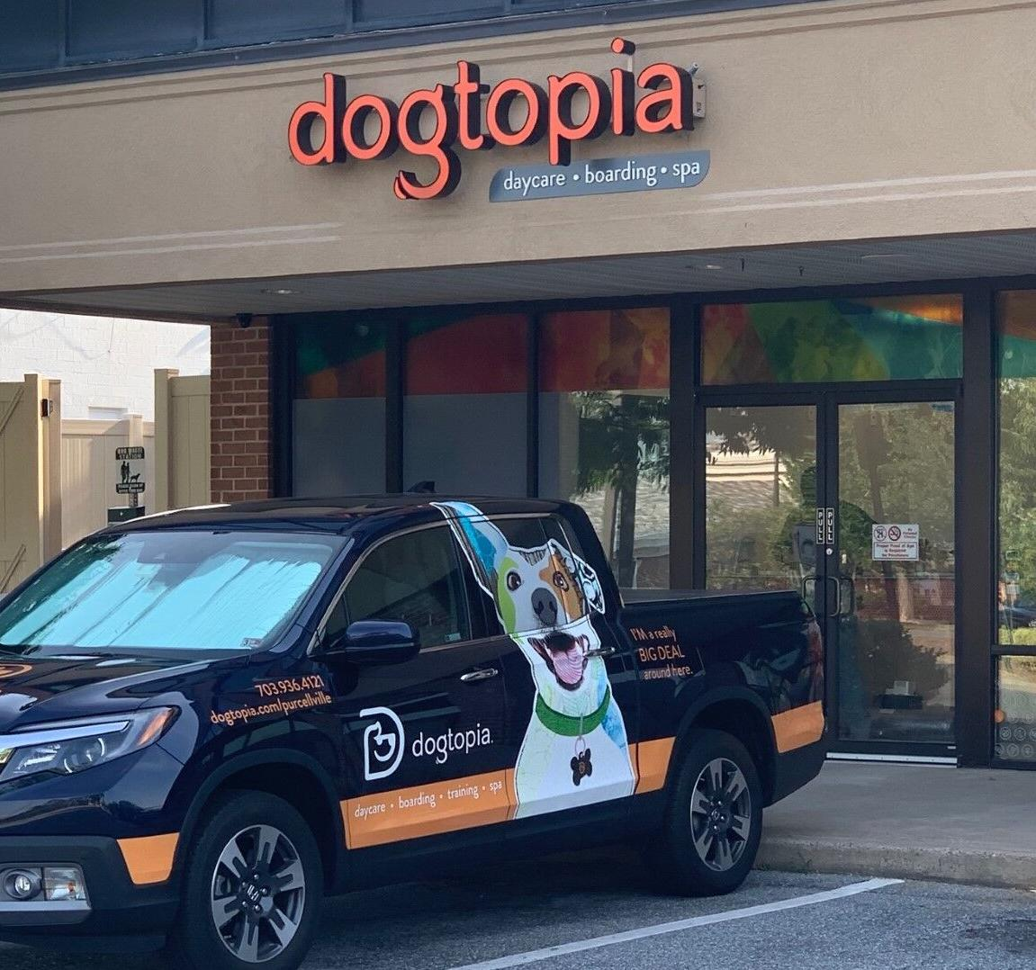 Dogtopia of Purcellville storefront