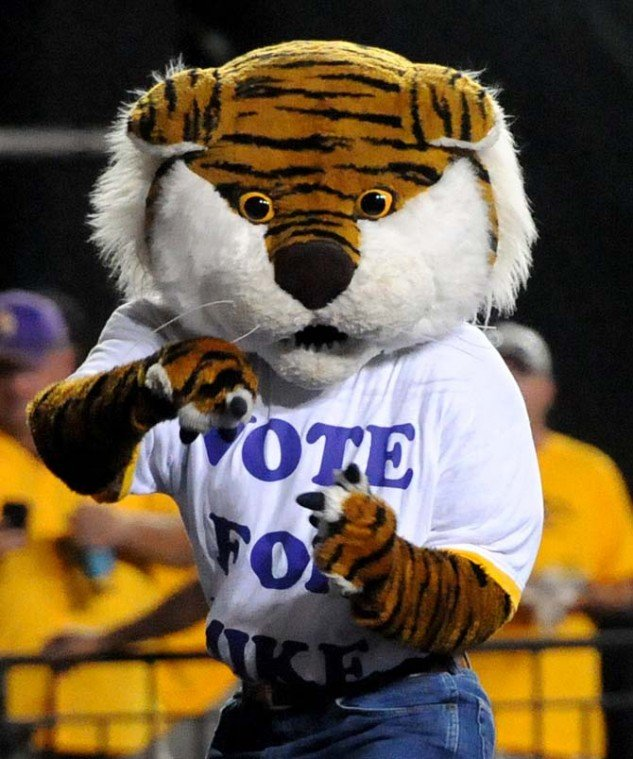 Mike The Tiger Competes In Capital One S Online Mascot Challenge