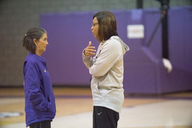 11-20-16 Women's Basketball Practice