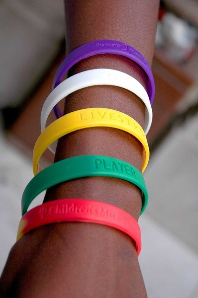 'Livestrong' bracelets spark 'fad' debate | | lsunow.com