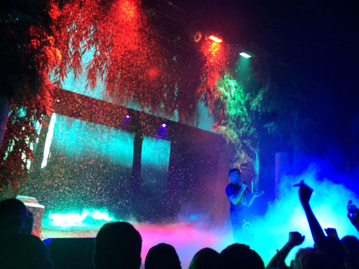 Review Kid Cudi Performs Enthralling
