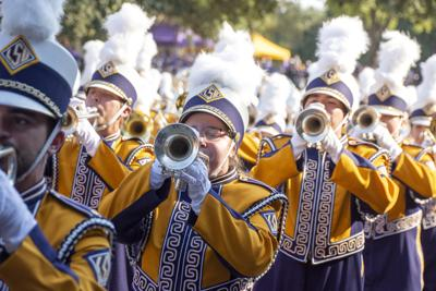 PHOTOS: LSU Walks Down Victory Hill