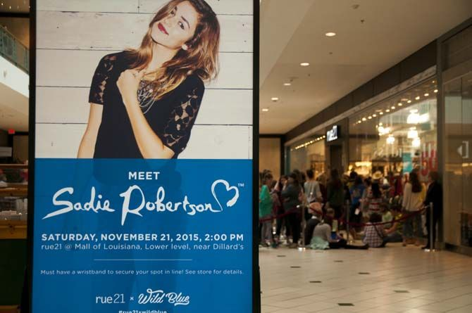 11/21/15 Sadie Robertson/ Jean Company