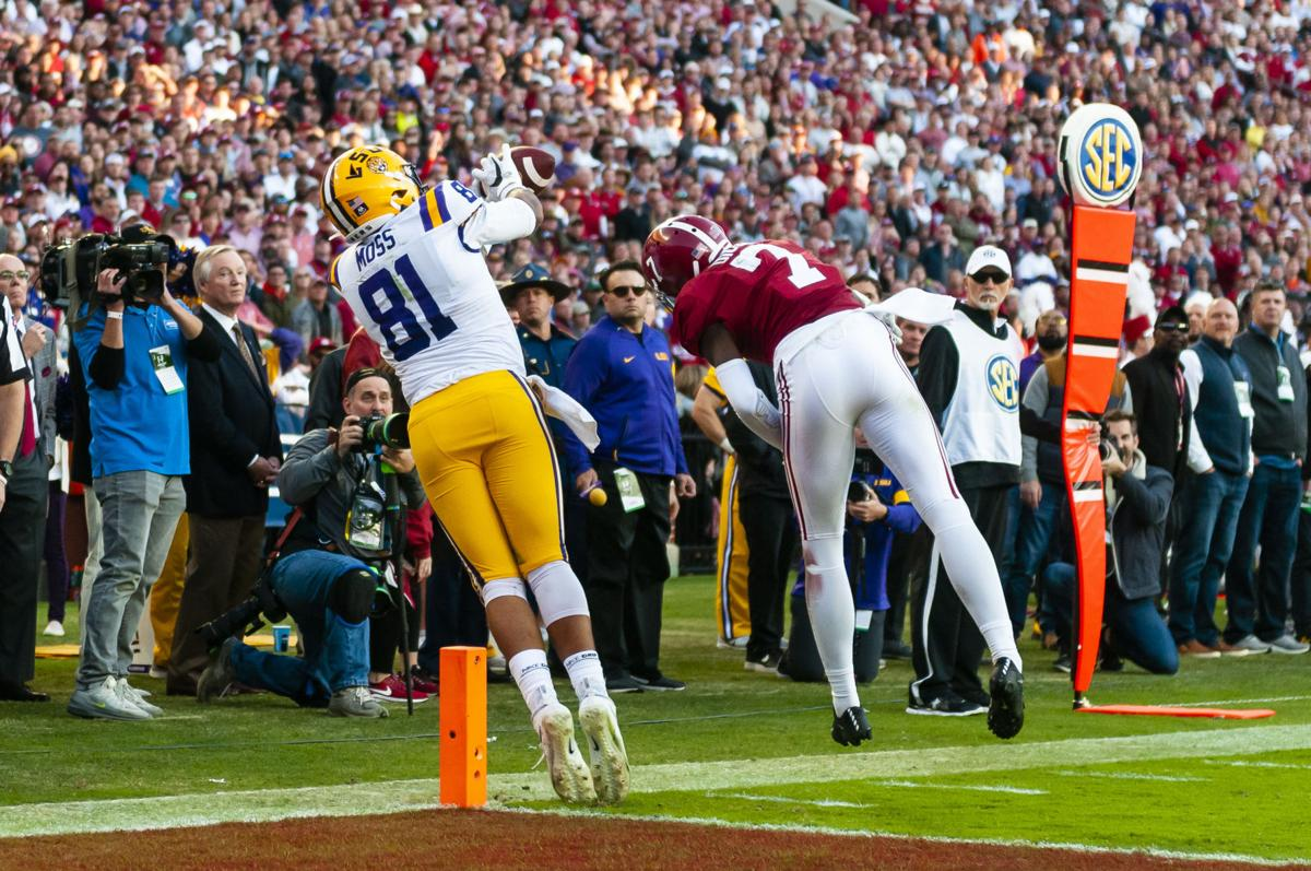 Thaddeus Moss Lsu >> Thaddeus Moss Toe Tapping Catch Just One Example Of The