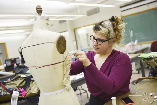 Textiles Apparel Design And Merchandising Students Plan Luminous Student Fashion Show Daily Lsureveille Com