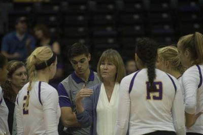 More Than Just About Winning Fran Flory S Impact As Lsu Volleyball Coach Extends Off Court Sports Lsureveille Com