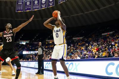 LSU Men's Basketball defeats Nicholls