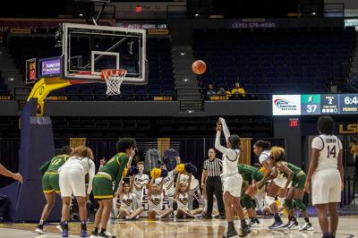 PHOTOS: LSU Lady Tigers Defeat Southeastern
