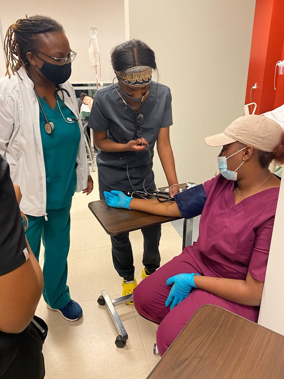 MNPS student learns to take blood pressure