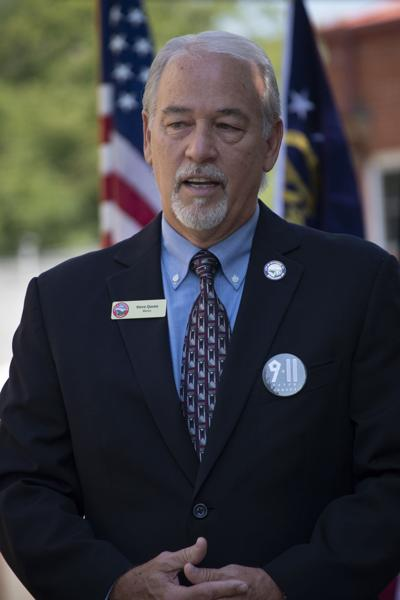 Mayor speaks at ceremony honoring World War I soldiers