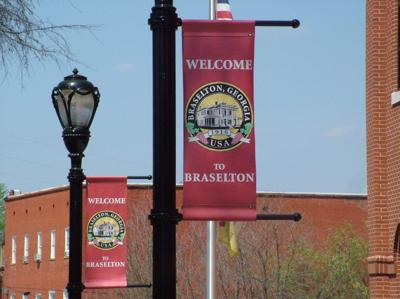 Braselton welcome signs