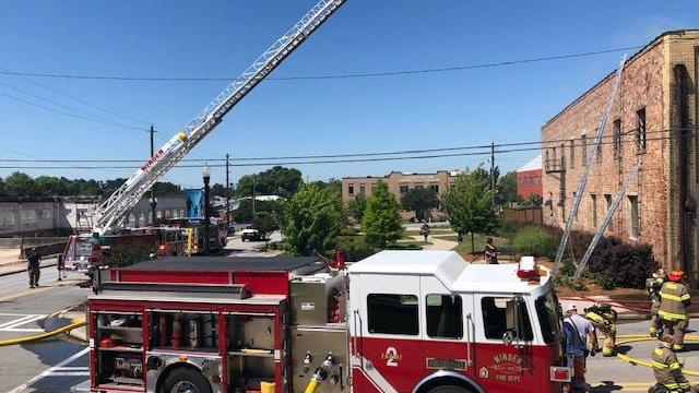PHOTO: Electrical problem cause of fire in abandoned building in downtown Winder