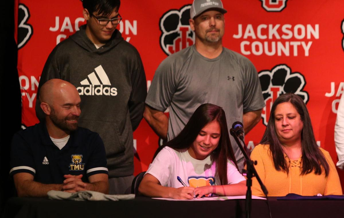 FOWLER TO CONTINUE SOCCER CAREER AT TRUETT McCONNELL