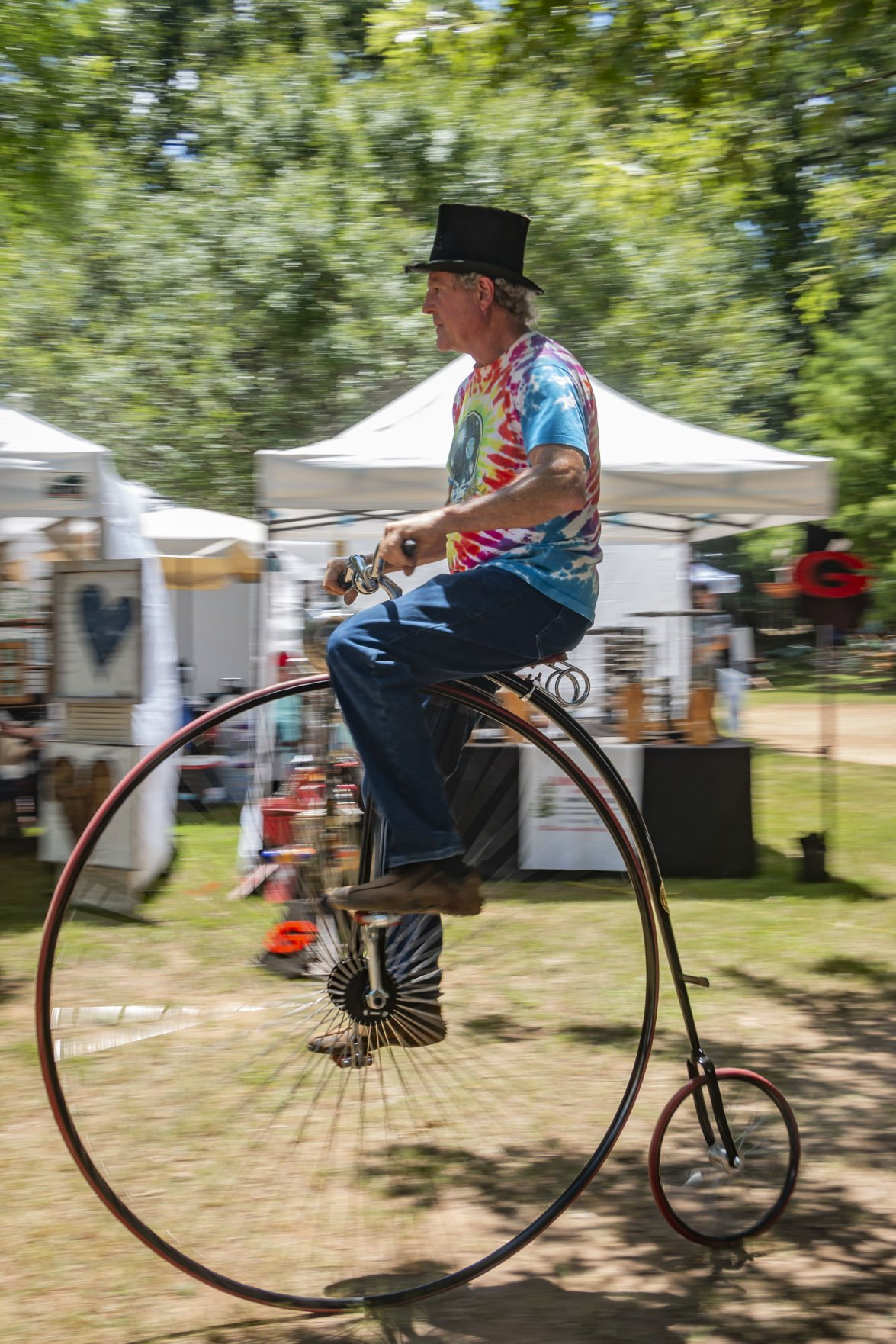 Penny farthing turns heads at antique festival