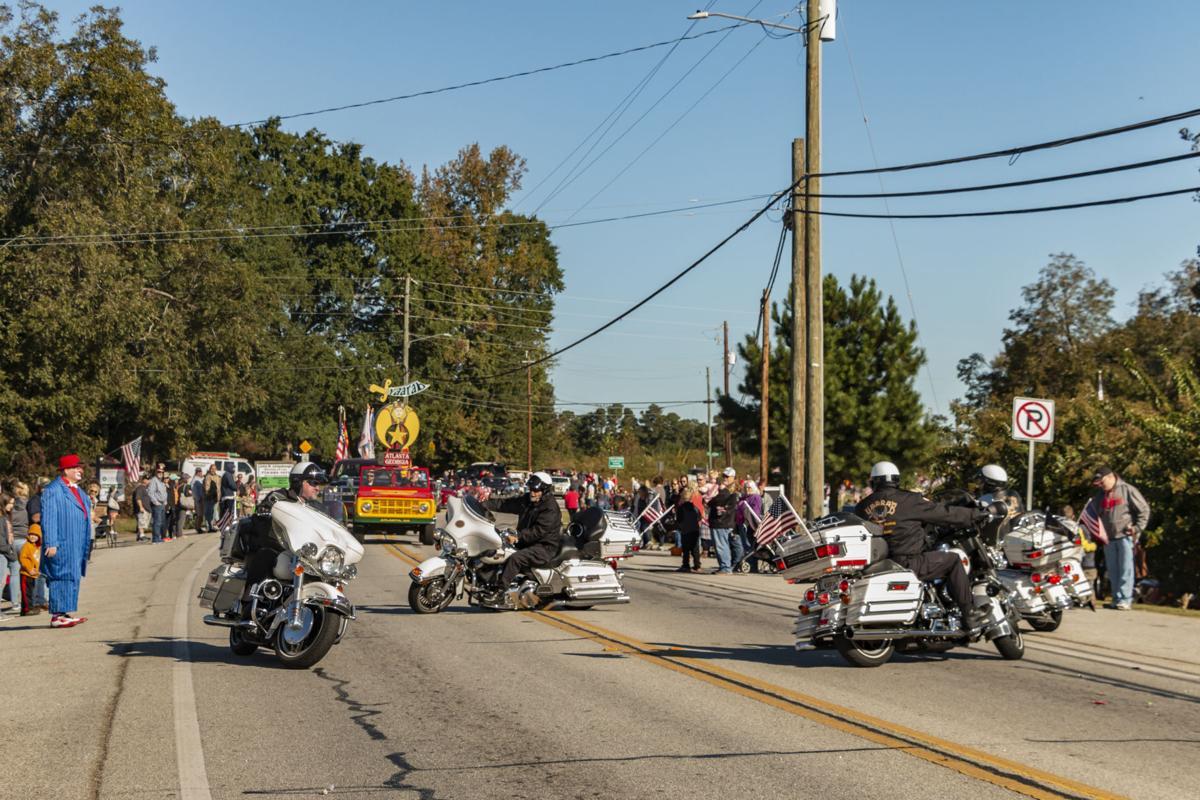 Around in circles at fall parade