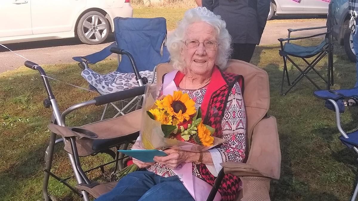 Barrow County woman celebrates 100th birthday with parade