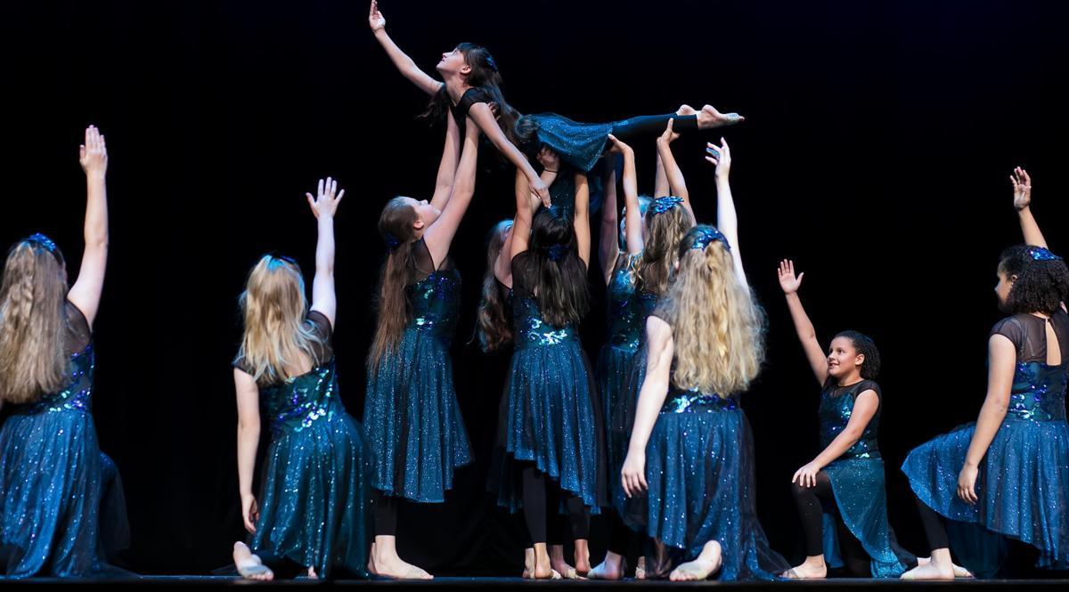 CONTEMPORARY I DANCERS