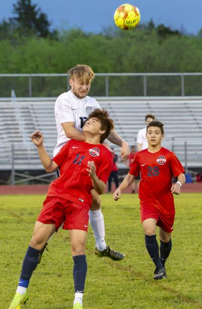 Oakland soccer holds on to beat Siegel 1-0