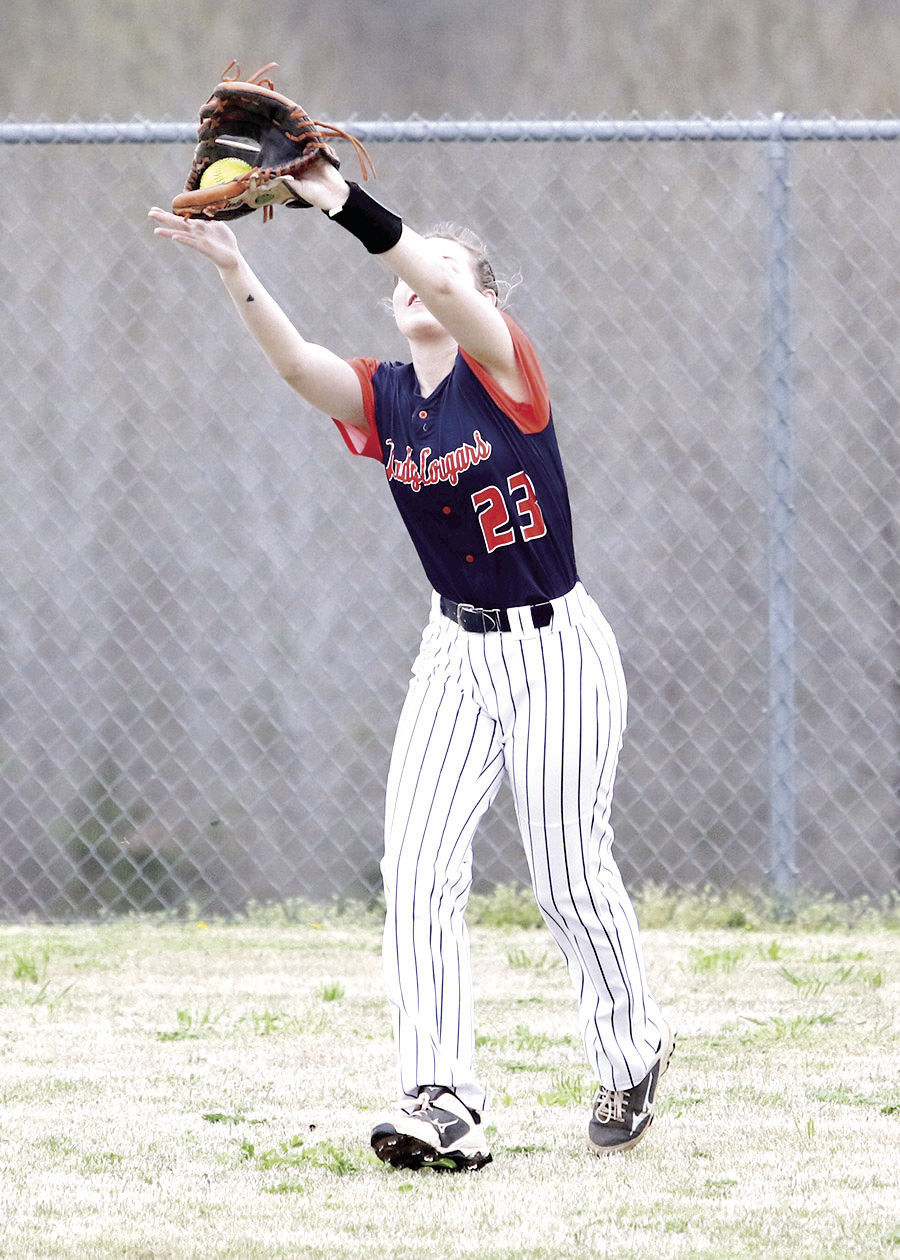 Dickson County outfielder Bella Blackwell catches a fly ball at the Waverly Diamond Classic. MARTY ALLISON/DICKSON SPORTS MEDIA