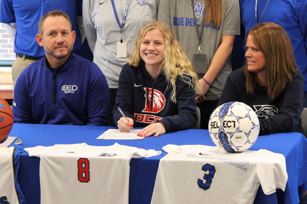 Baylee Miller follows in family's footsteps, signs soccer scholarship