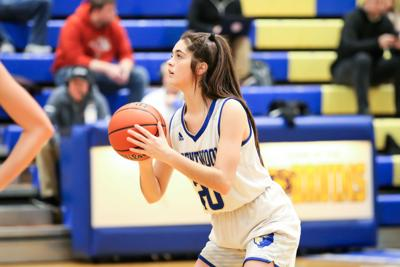 Delaney Trushel led the Lady Bruins with 18 points against Independence