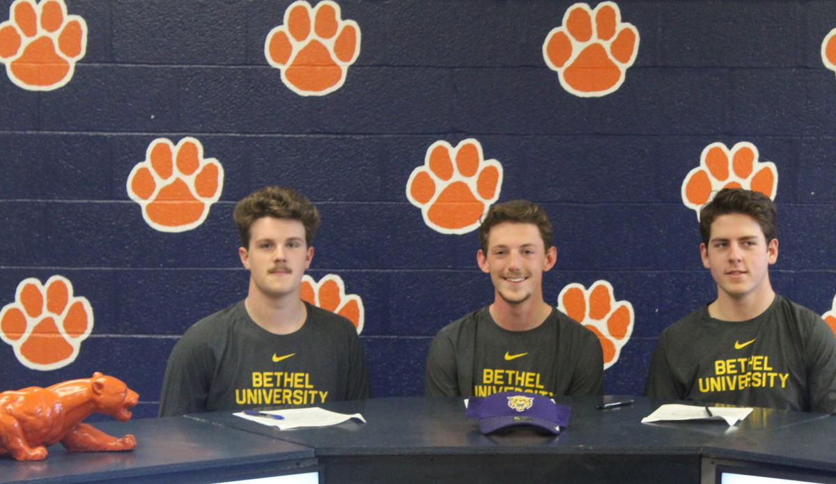 Three Dickson County High golfers sign with Bethel