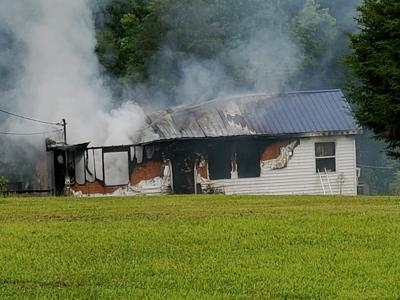 Crews respond to structure fire on Hillsboro Viola Road