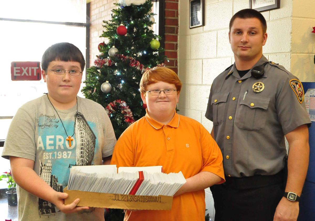 Students deliver holiday compassion to inmates