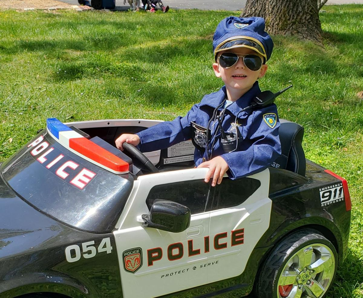 MPD officers surprise Titus for his birthday while he's 'playing cop'
