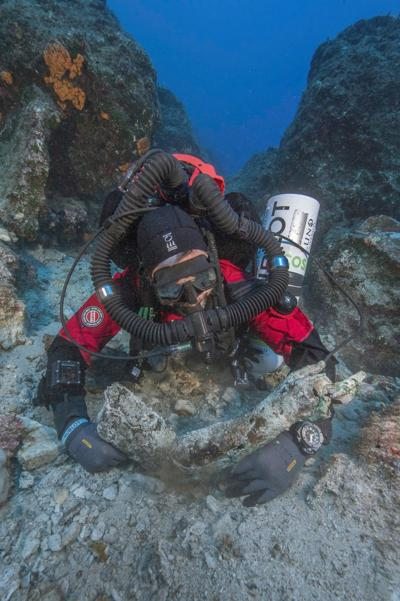 Rich ancient shipwreck off Greece yields more bronze statues