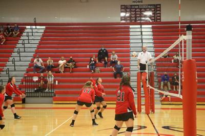 CMS Volleyball defeats Harris in home opener
