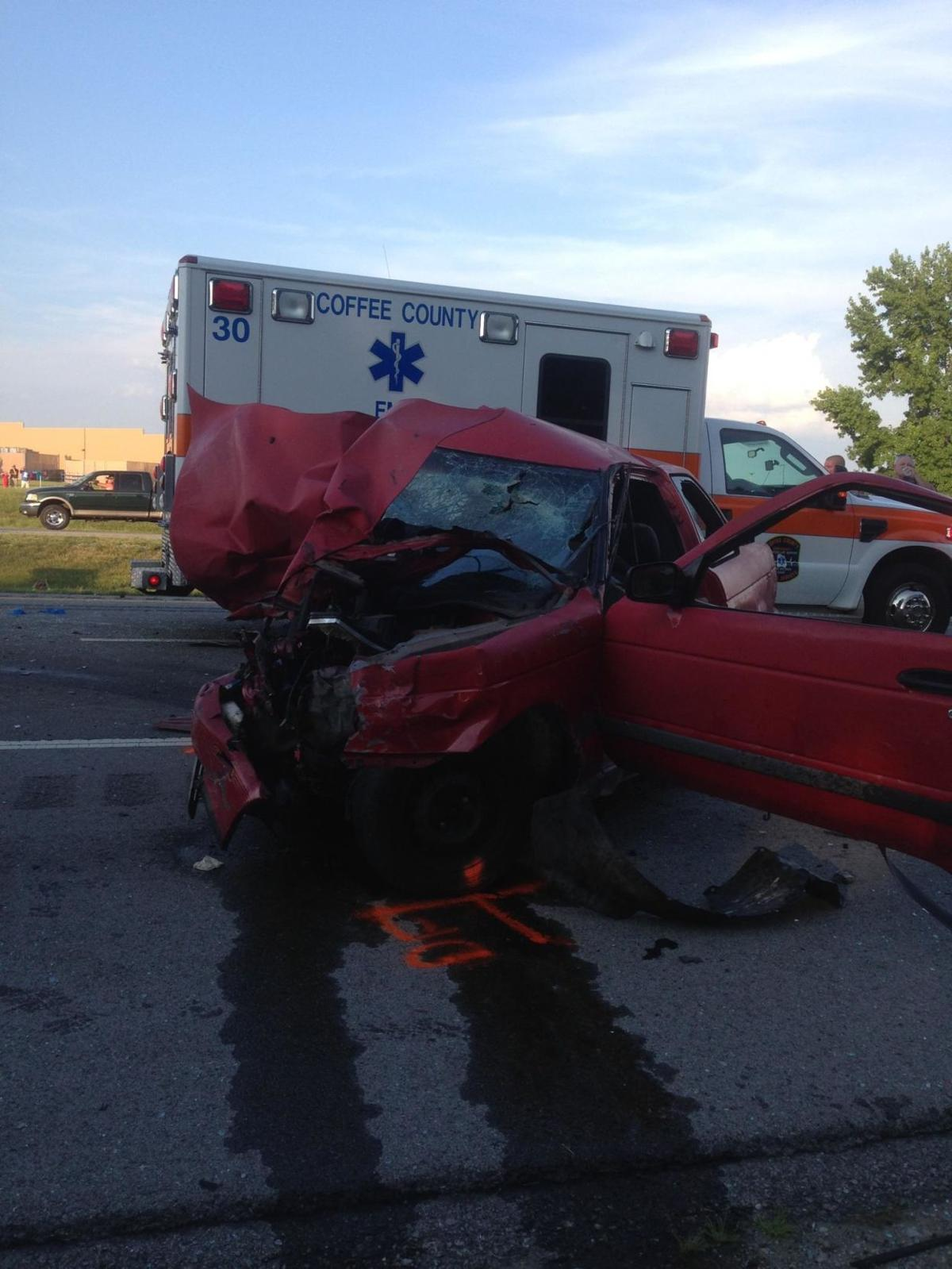 Two killed in Interstate crash near Manchester