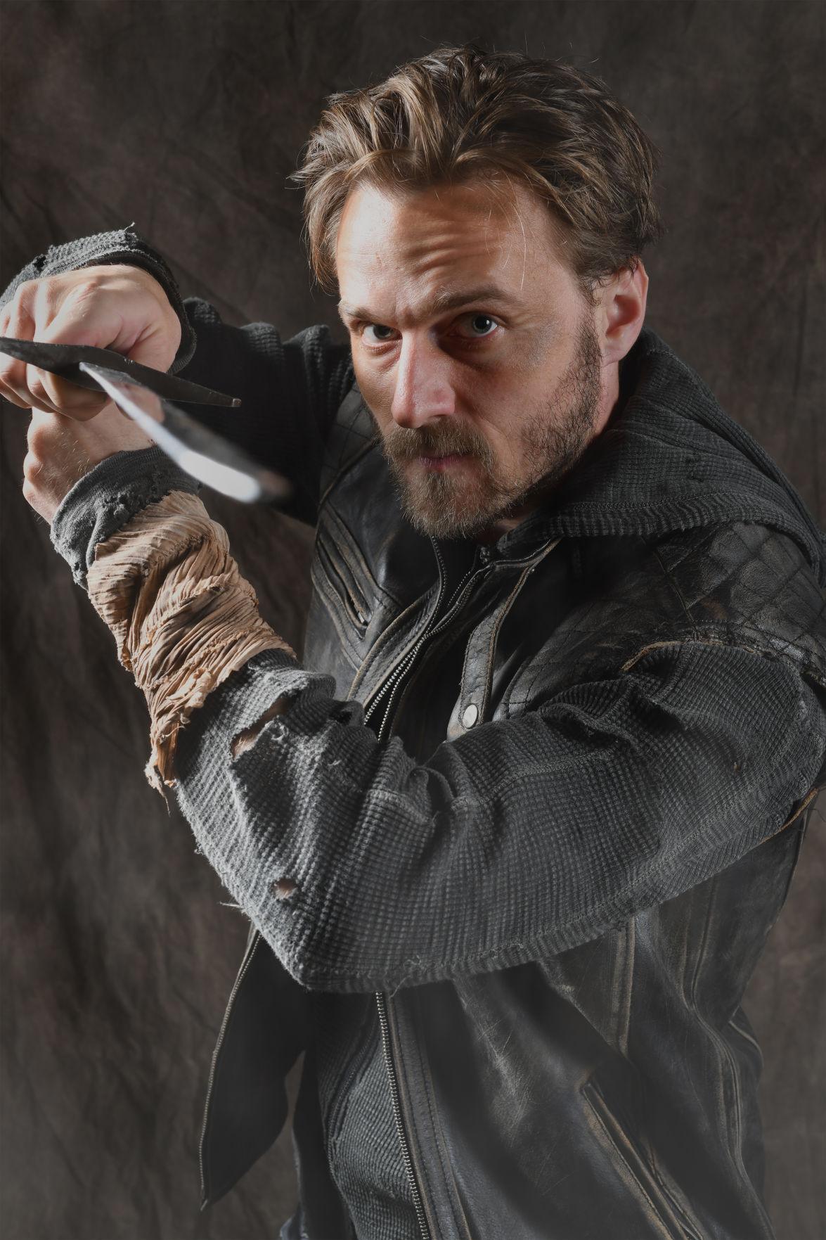 Macbeth w sword.jpg