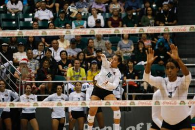 Norene Iosia serves up a win as Hawai'i downs UCSB