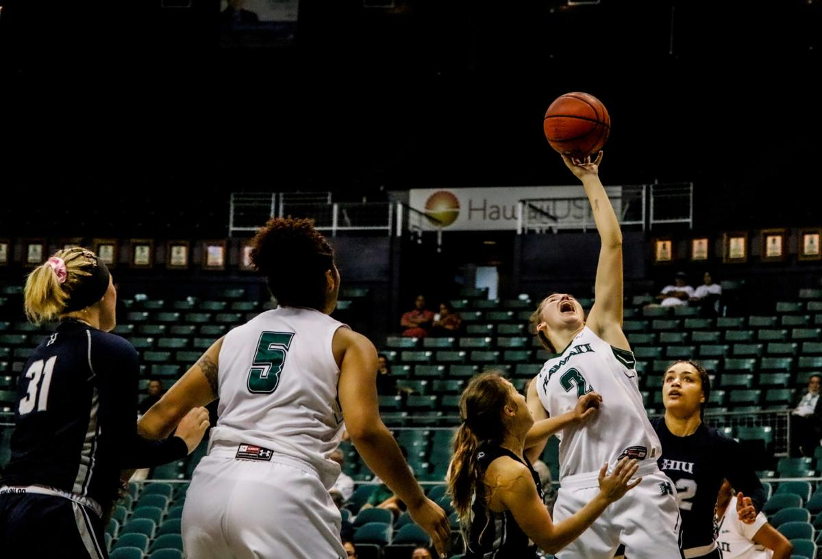 Short-handed Wahine handle business in Royal affair