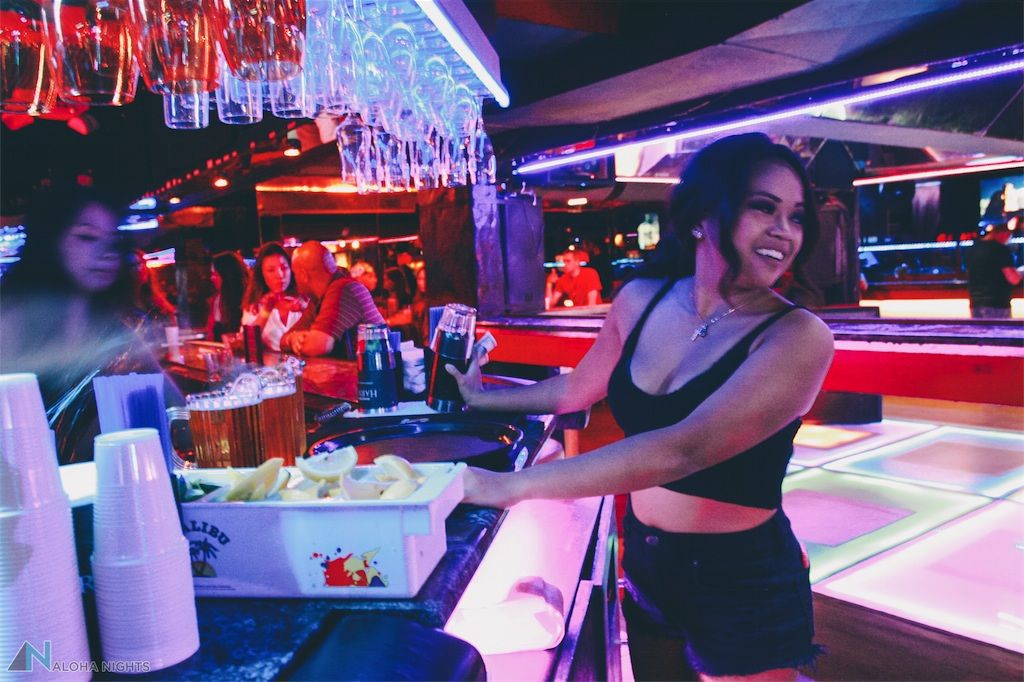A Day In The Life Of Bottle Service Girl