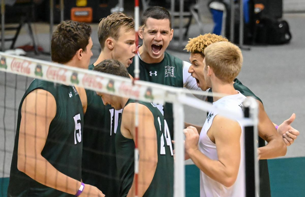'Bows dominate the Cougars: Win first NCAA Championship
