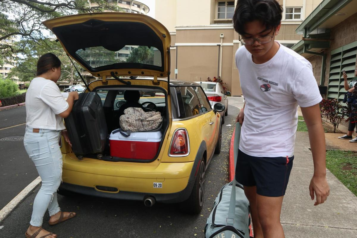 UH students move out of dorms amid COVID-19 uncertainty