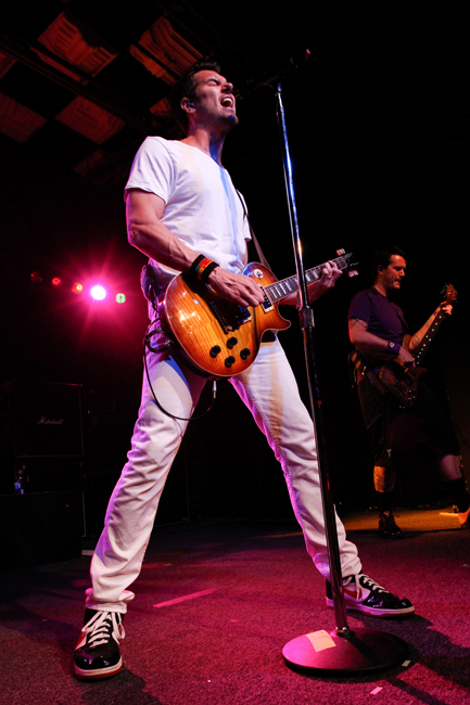 311 comes original at Pipeline Café
