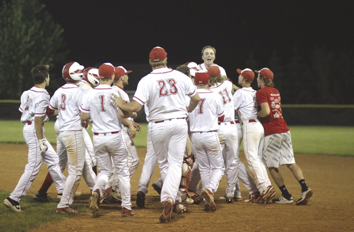 The entire Maquoketa baseball team