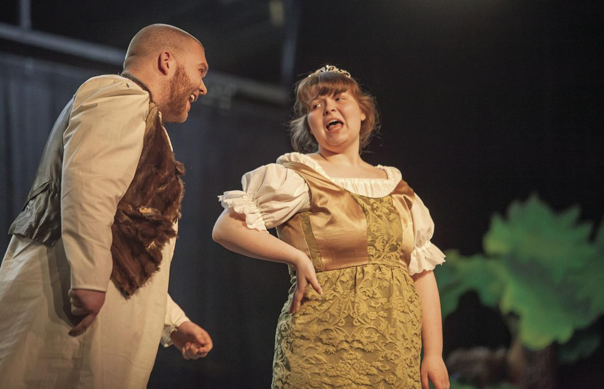 Shrek (Orion Friederich) and Fiona (Sidney Michel)